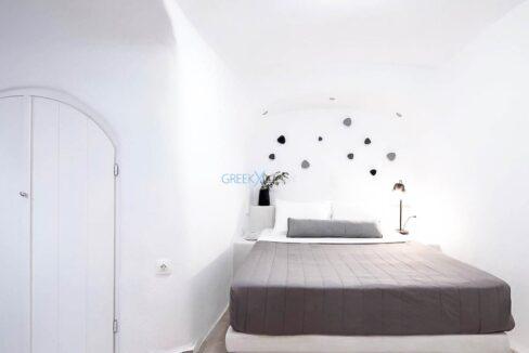 Cave House Oia Santorini for Sale, Caldera Suite Santorini for Sale. Santorini Homes for sale9