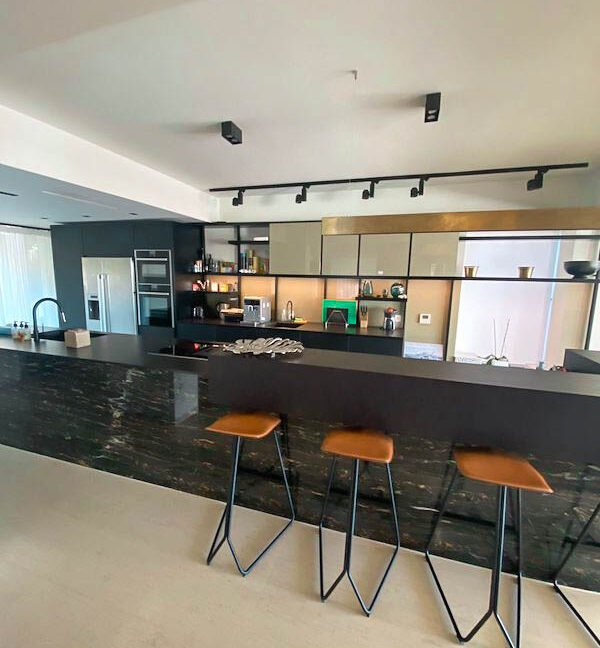 Luxury Villa for Sale in Vouliagmeni Athens. Luxury Estate Vouliagmeni Athens Greece, Luxury Properties in south Athens 7