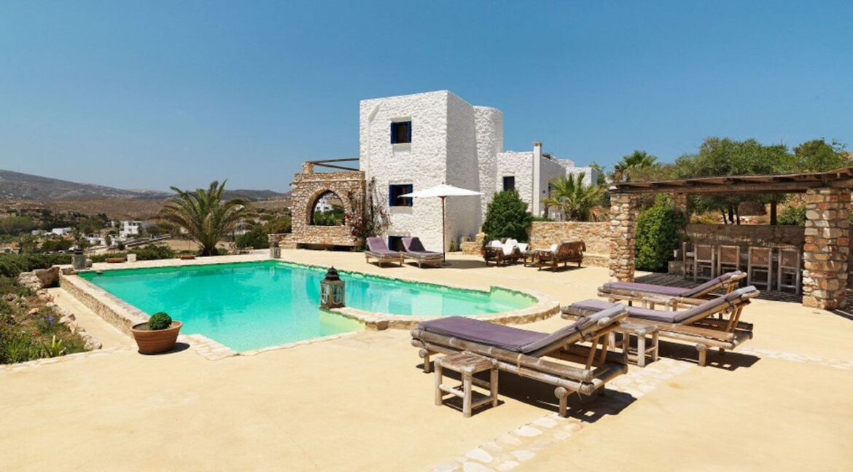 Villa near the beach for Sale in Paros Greece, Top Villas Paros Greece, Paros Properties