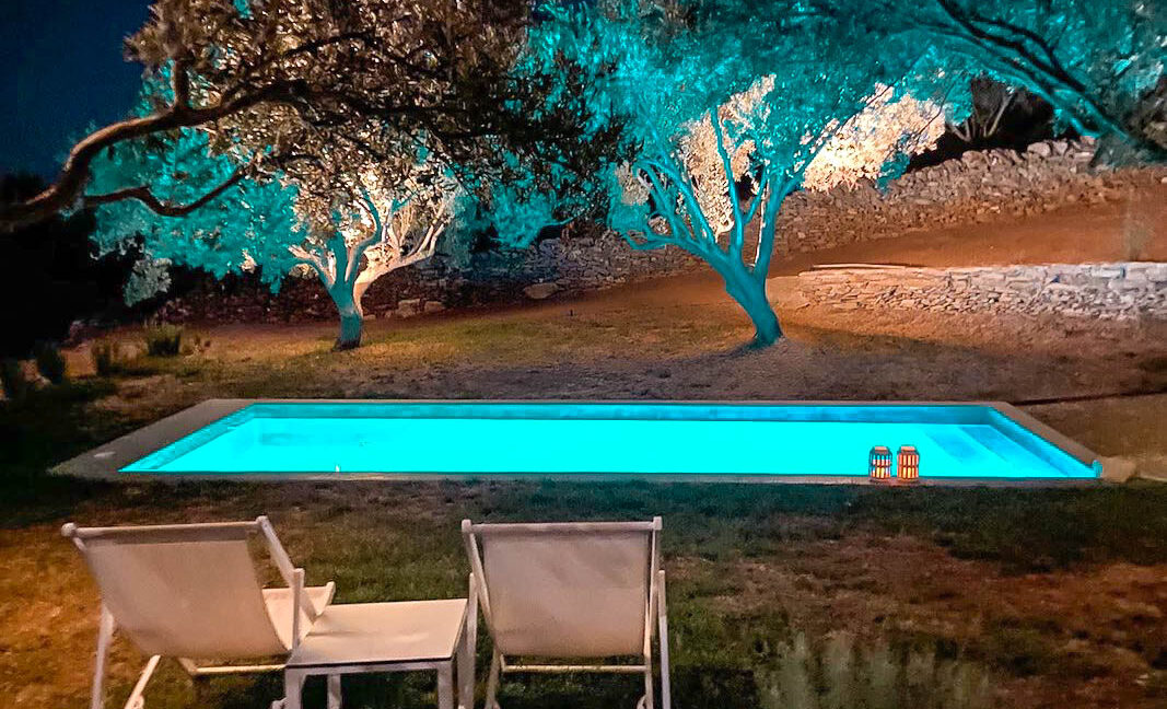 Villa with sea view and pool in Paros Island, Paros Homes for Sale, Paros Real Estate. Properties in Paros Greece 1
