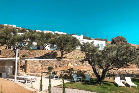 Villa with sea view and pool in Paros Island, Paros Homes for Sale, Paros Real Estate. Properties in Paros Greece 17
