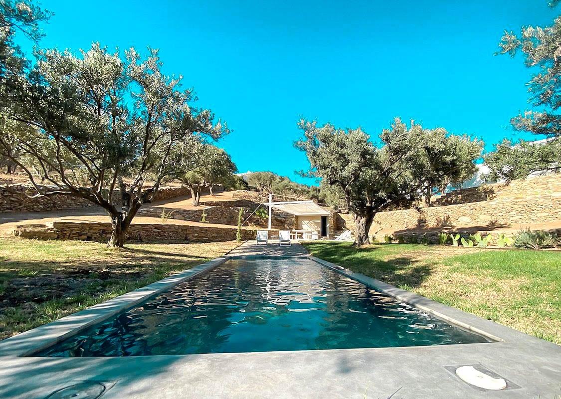 Beautifulvilla with sea view and pool in Paros Island