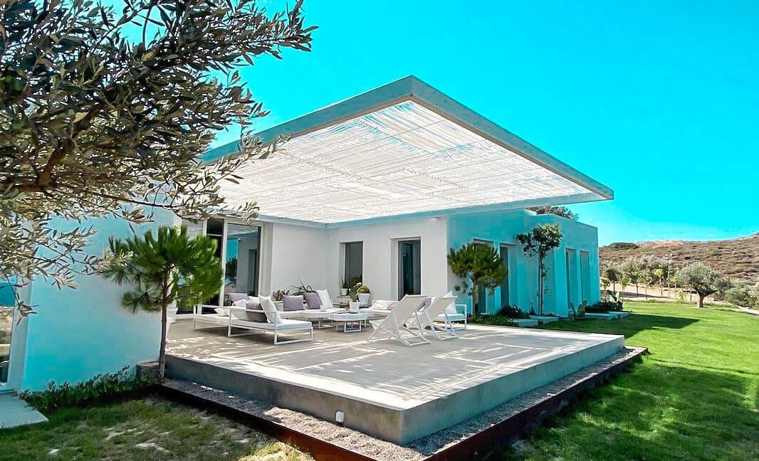 Villa with sea view and pool in Paros Island, Paros Homes for Sale, Paros Real Estate. Properties in Paros Greece 25