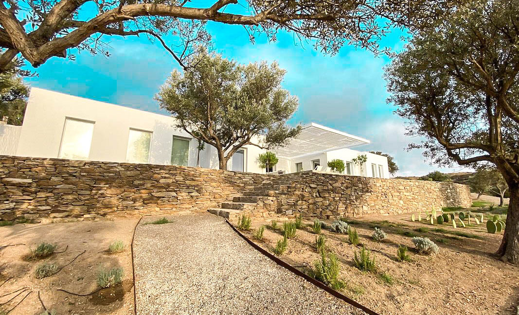 Villa with sea view and pool in Paros Island, Paros Homes for Sale, Paros Real Estate. Properties in Paros Greece 27
