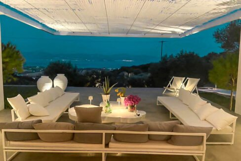 Villa with sea view and pool in Paros Island, Paros Homes for Sale, Paros Real Estate. Properties in Paros Greece 4